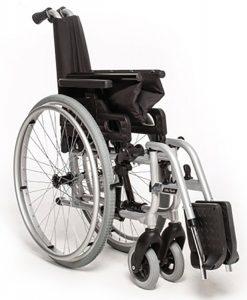 cadeira de rodas Start M0, cadeira da Ottobock, substitui o modelo antigo A3, possui as mesmas características, detalhes adicionais, proporcionam, conforto, segurança, usuário, Apoio de pé da linha Start, ajuste da altura, ângulo tíbio-társico, Faixa de