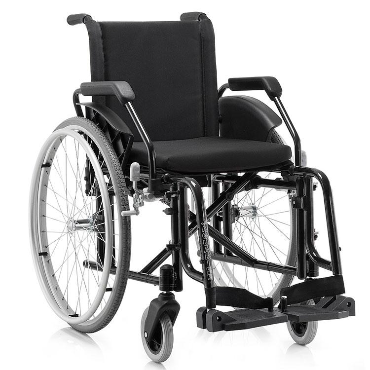 Cadeira de rodas Fit, Ortopedia Jaguaribe, alumínio aeronáutico, Estrutura dobrável em X, Pintura eletrostática epóxi, Estofamento em nylon acolchoado, Almofada em espuma injetada, Rodas traseiras de 24'', em alumínio com pneus anti-furo, Capacidade para